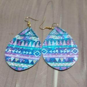 💕3/15,💕 Faux leather earrings